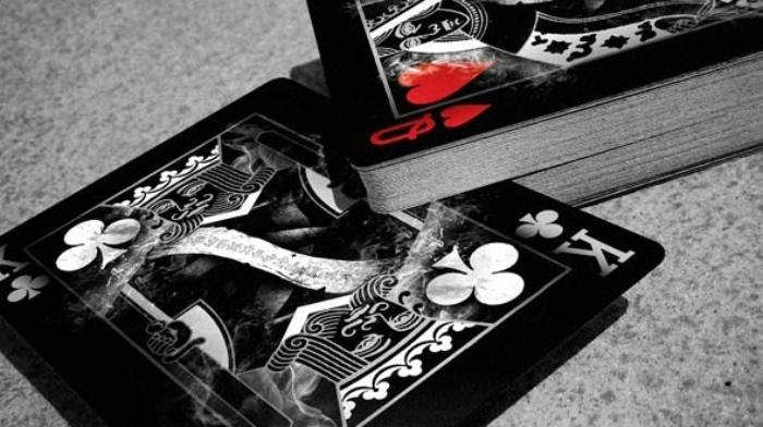 Black Arcane là bộ bài thuộc dòng mới của Ellusionist và là một trong những bộ bài Tây cực đẹp